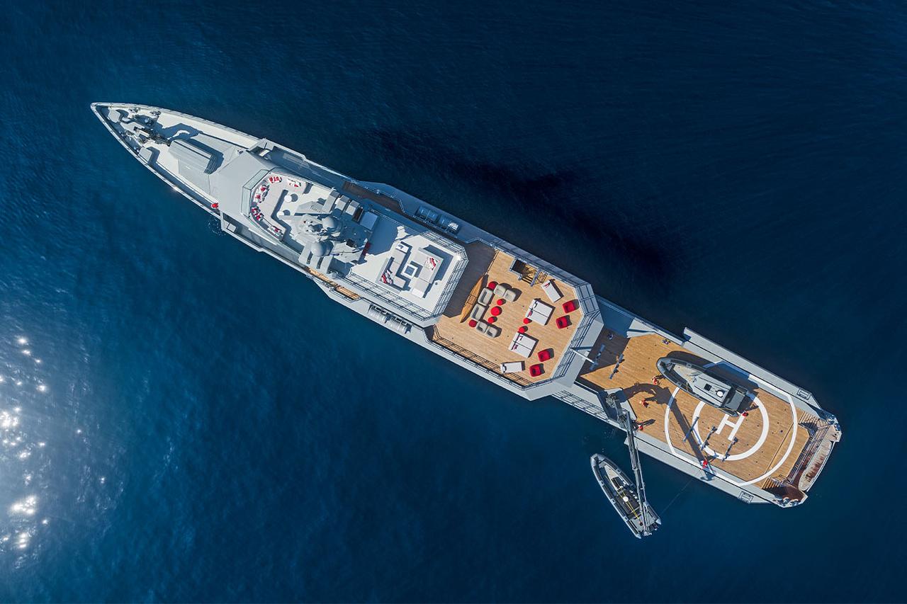 Yacht Bold