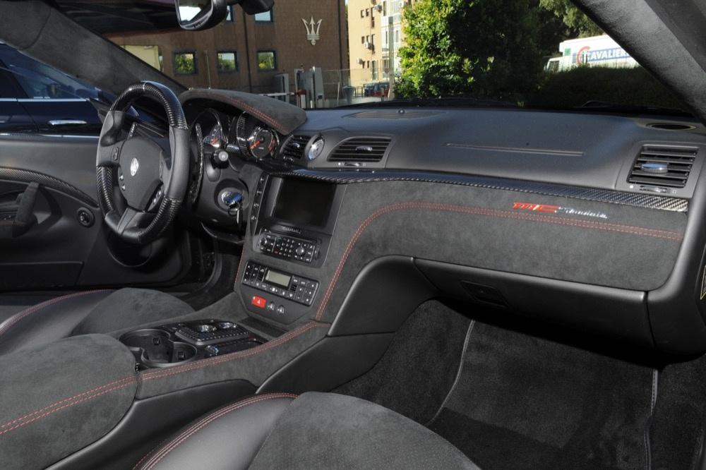 schwarzer Maserati GranTurismo