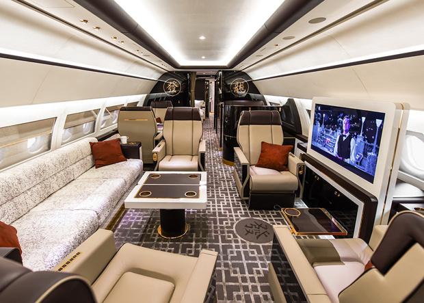 ACJ319 Main Lounge Forward