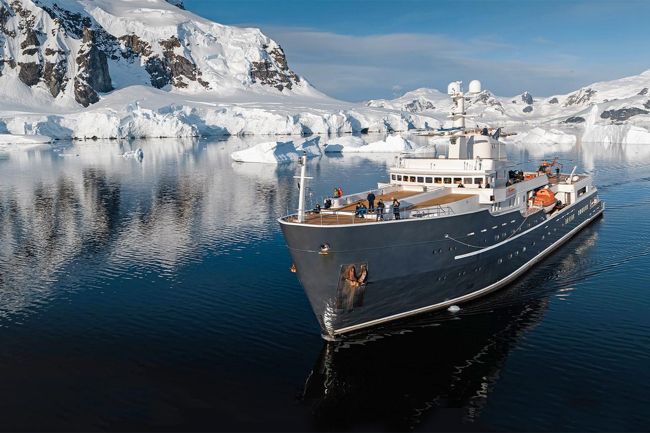 Yacht Legend