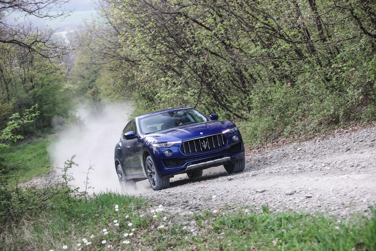 Maserati Levante blau