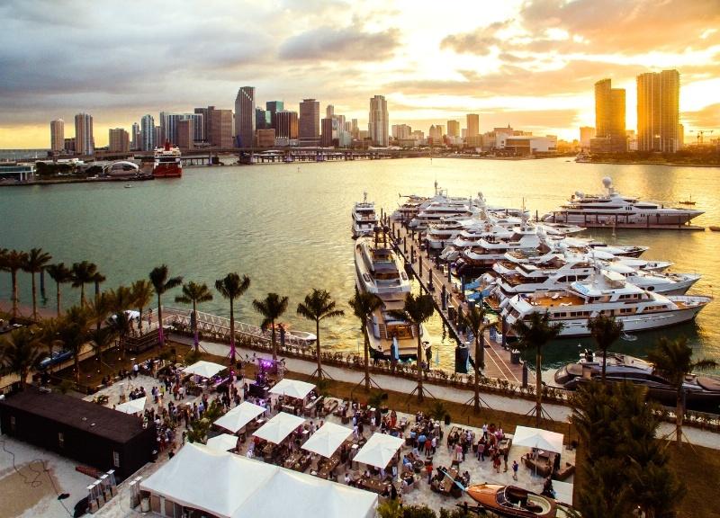 Yachthafen Miami, Superyachten