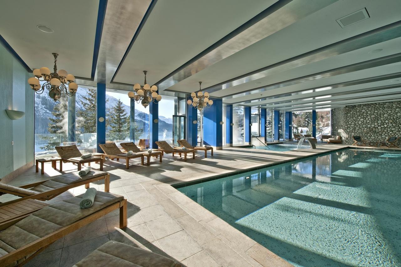Carlton, Schweiz, Schwimmbad