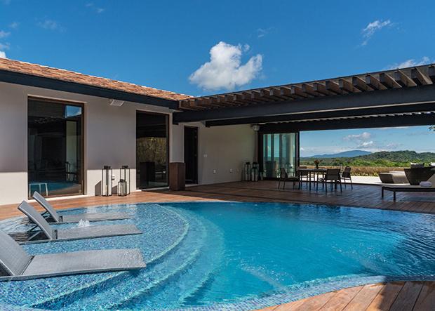 Outdoor Pool Nekupe Sporting Resort and Retreat