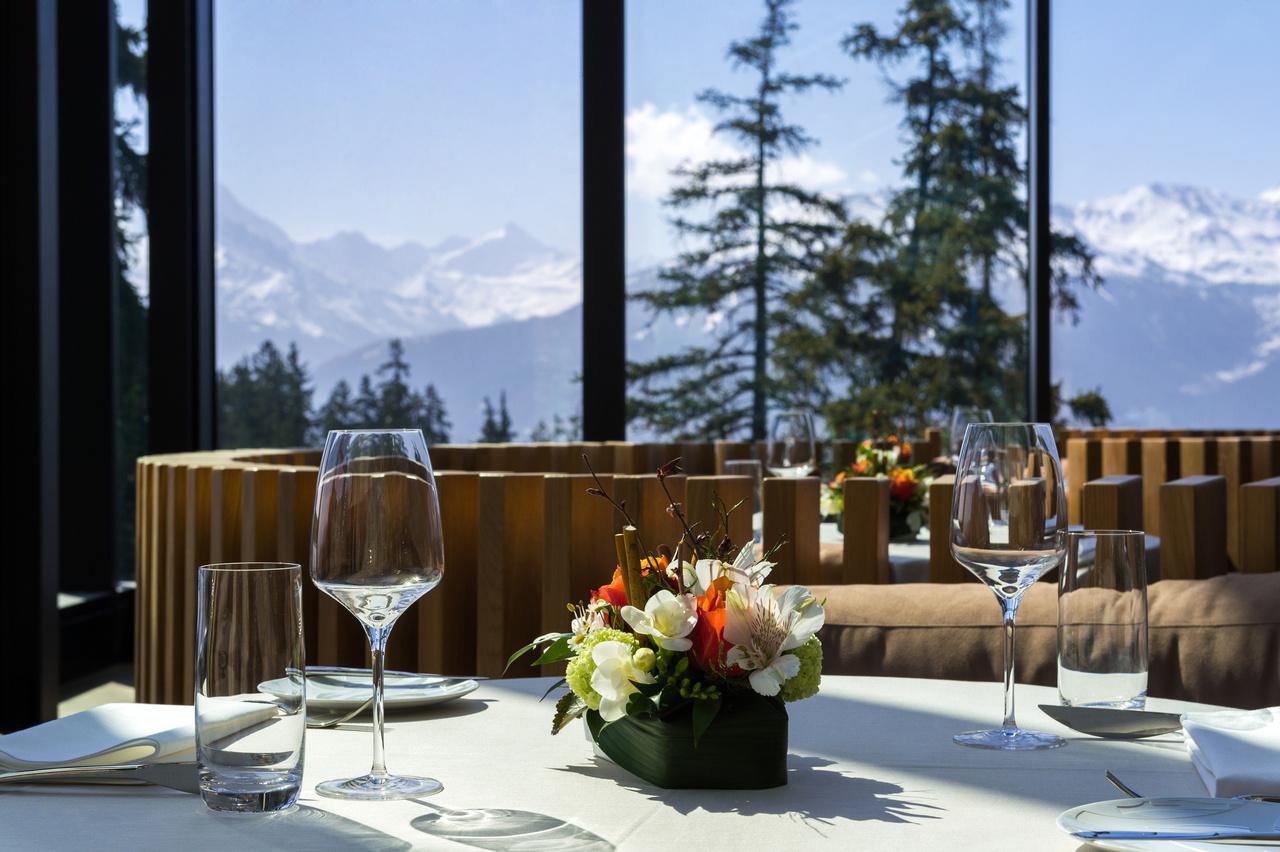 Crans-Ambassador-Hotel, Schweiz, Eingang