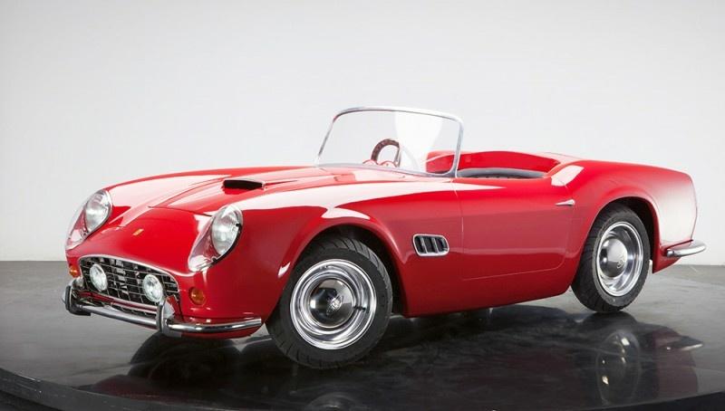 rotes Junior Car